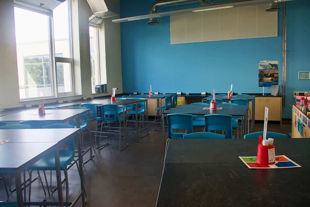 Co-op Academy Manchester school science lab featuring a blue contrast wall.