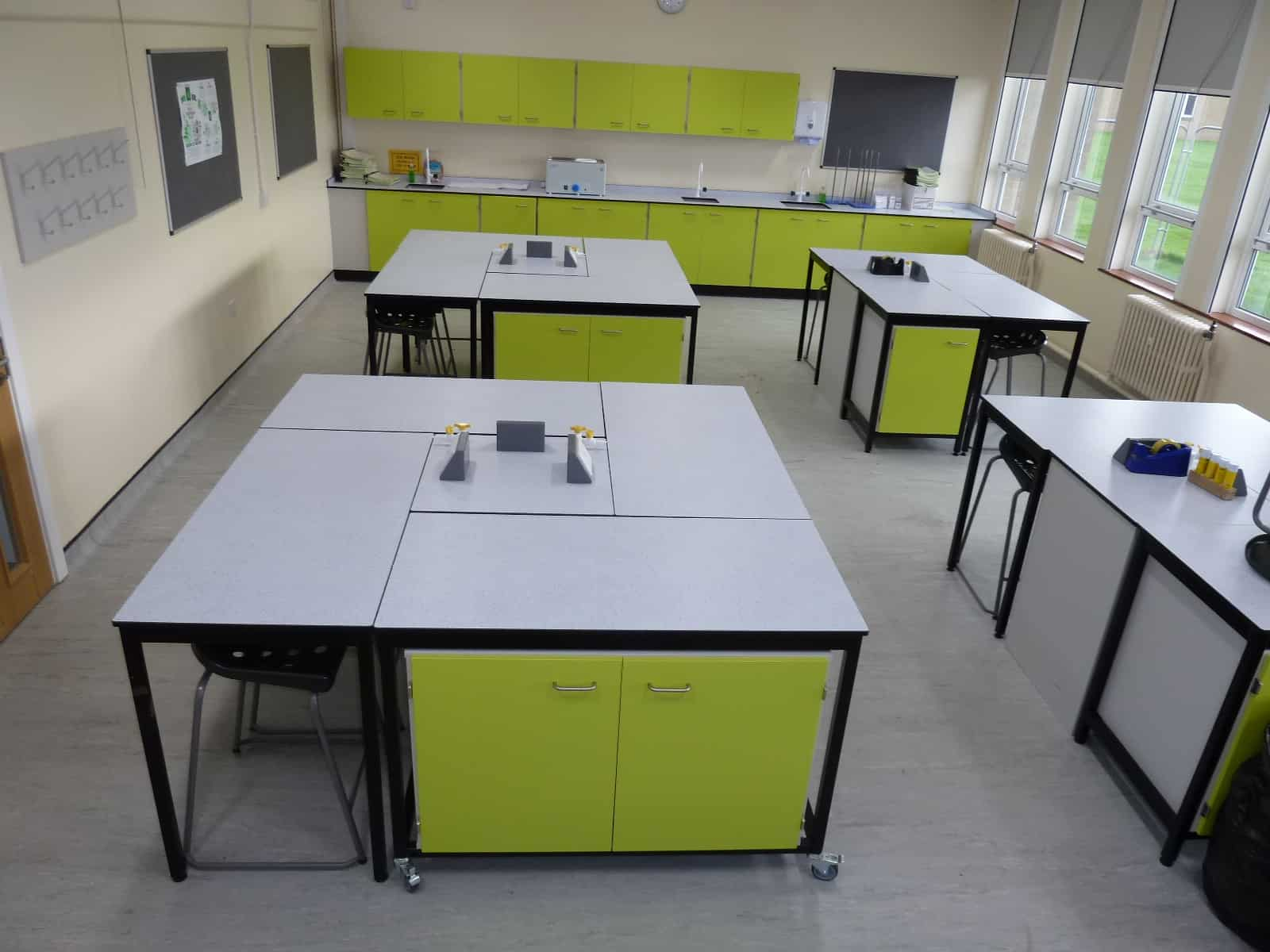Ryedale School Science Lab multinational space.