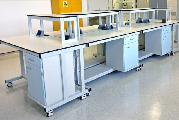 Flexible laboratory benching unit