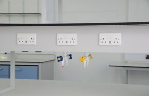University research laboratory furniture with gas outlets