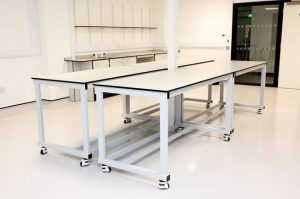 Lab furniture for research laboratory