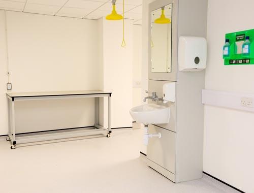 Klick laboratory furniture manufacturers UK - IPS unit & mobile table